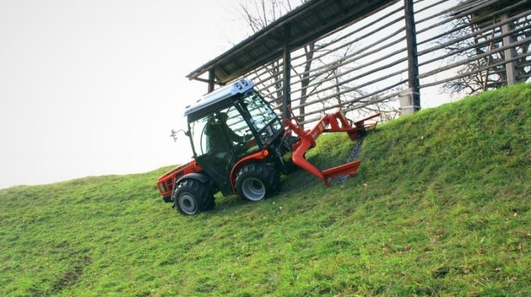 Mountain traktor for bratt terreng